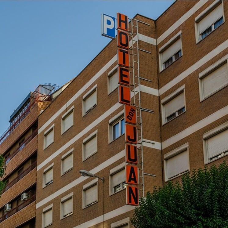 Don Juan Hotel - Granada - Studierejse - AlfA Travel - facade