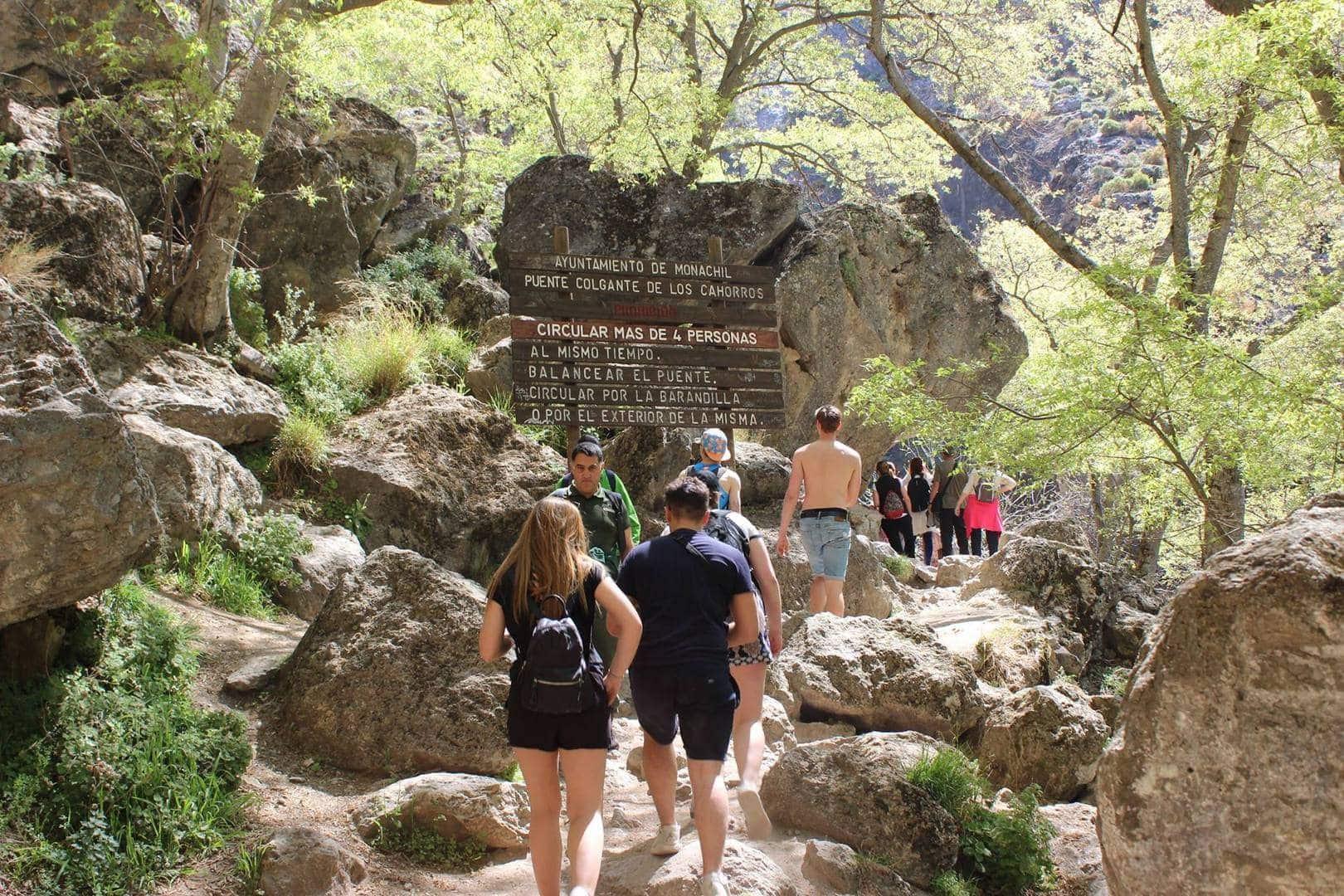 Granada studietur alfa travel skolegruppe vandring