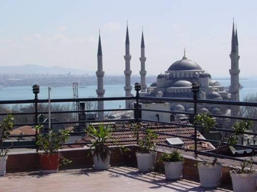 Hotel Hali - Istanbul - studietur - AlfA Travel - terrace - terrasse - moske