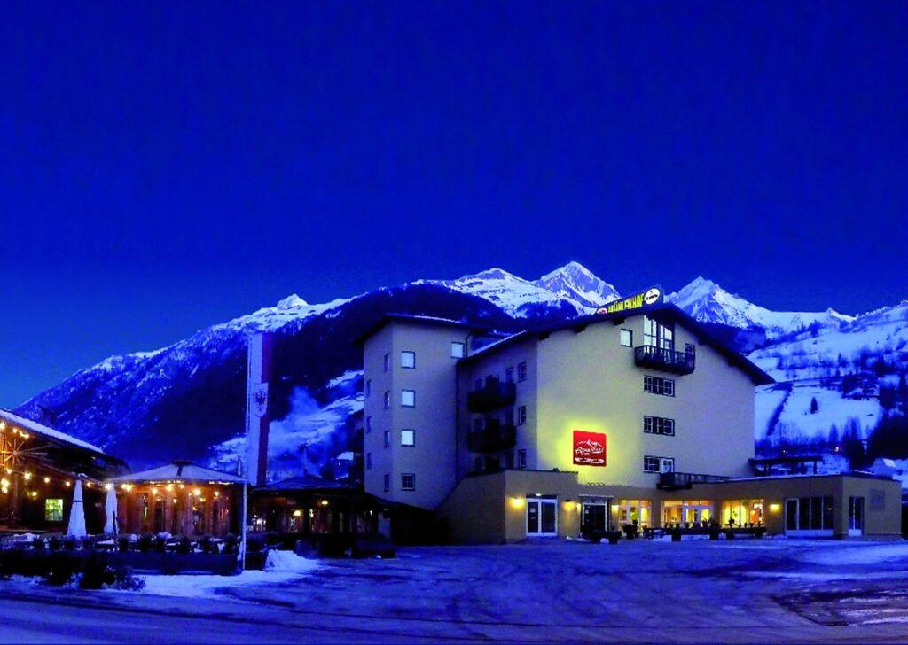 Alpenparks - Matrei - skirejse - AlfA Travel - Hotel - facade