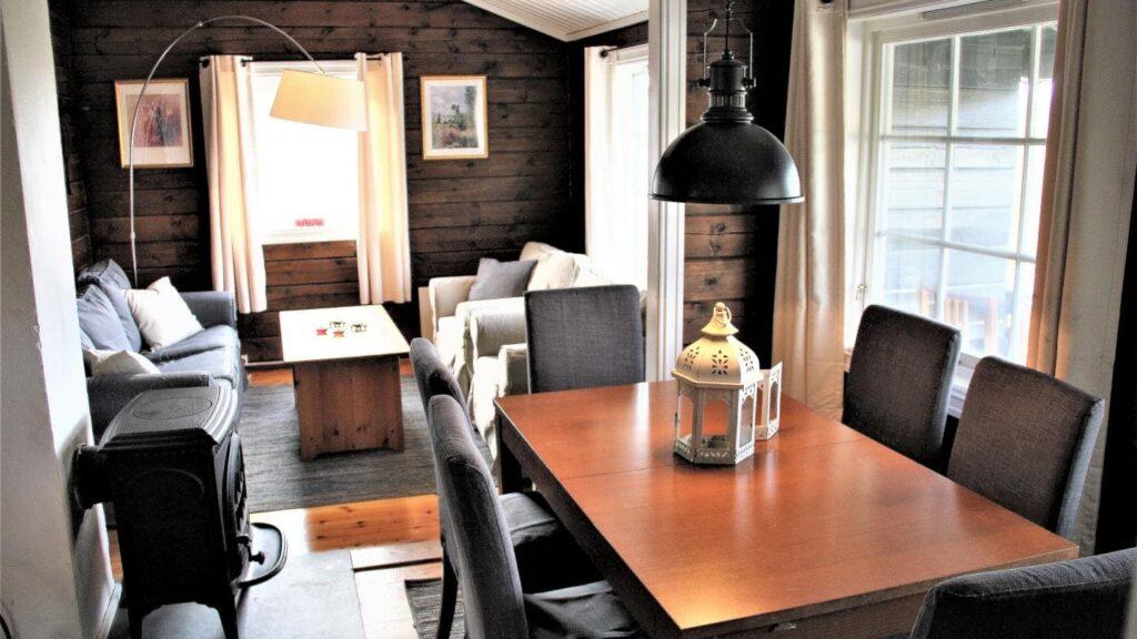 Sørlia hytte - Hafjell - skirejse - AlfA Travel - hytte - stue