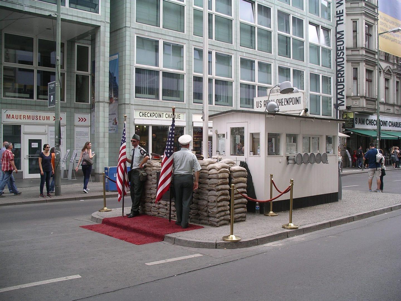 Studietur Berlin Check Point Charlie
